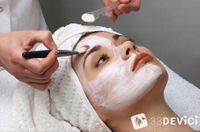 Чистка особи у косметолога