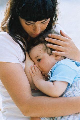 Немовлята зі стажем: годуємо більше року