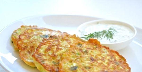 Як приготувати картопляно-кабачкові оладки?