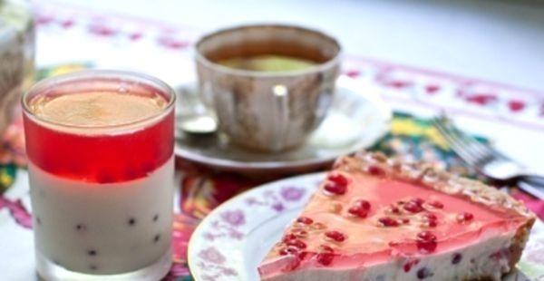 Ласощі, холодний смак і гріє погляд: желейний торт