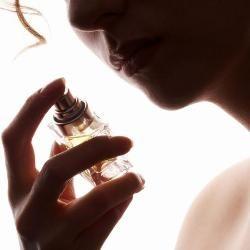Улюблений аромат: як правильно підібрати парфуми