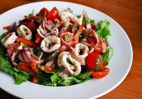 Дуже смачні пісні салати