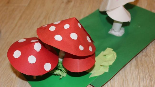 Виріб для саду «гриб мухомор» з паперу своїми руками