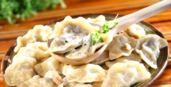 Вареники з картоплею та грибами: готуємо вдома